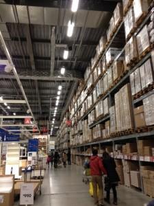 IKEA の巨大な倉庫